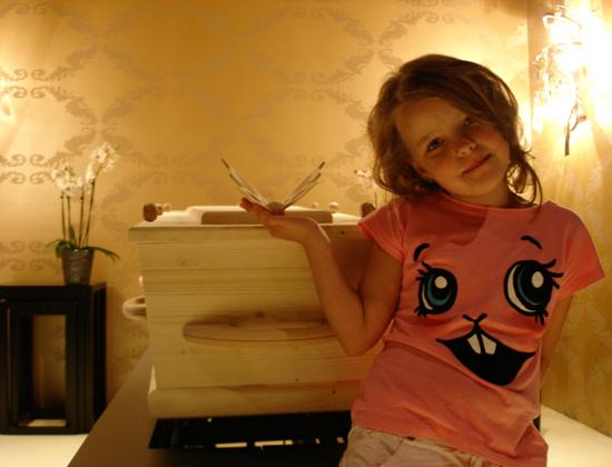 vlinderfoto-meisje-kleiner-zonder-schaduw vlindersluiting Radboud Spruit Grafkisten